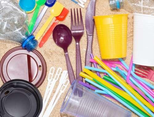 Ley de plásticos de un solo uso: los locales de comida y servicios de delivery ya no podrán dar utensilios plásticos desechables